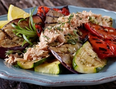 Chilled grilled vegetables with Genova tuna.